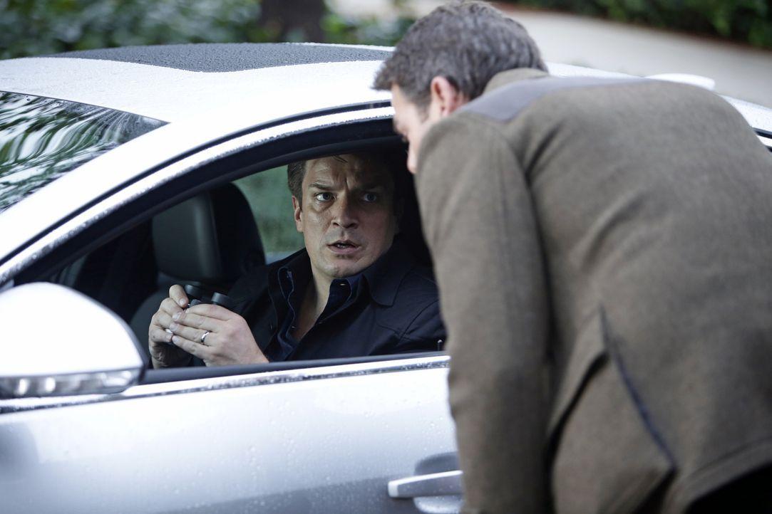Um herauszufinden, was mit Eva passiert ist, verfolgt Castle (Nathan FIllion, l.) ihren Ehemann Cole (Ivan Sergei, r.). Doch der beteuert seine Unsc... - Bildquelle: ABC Studios