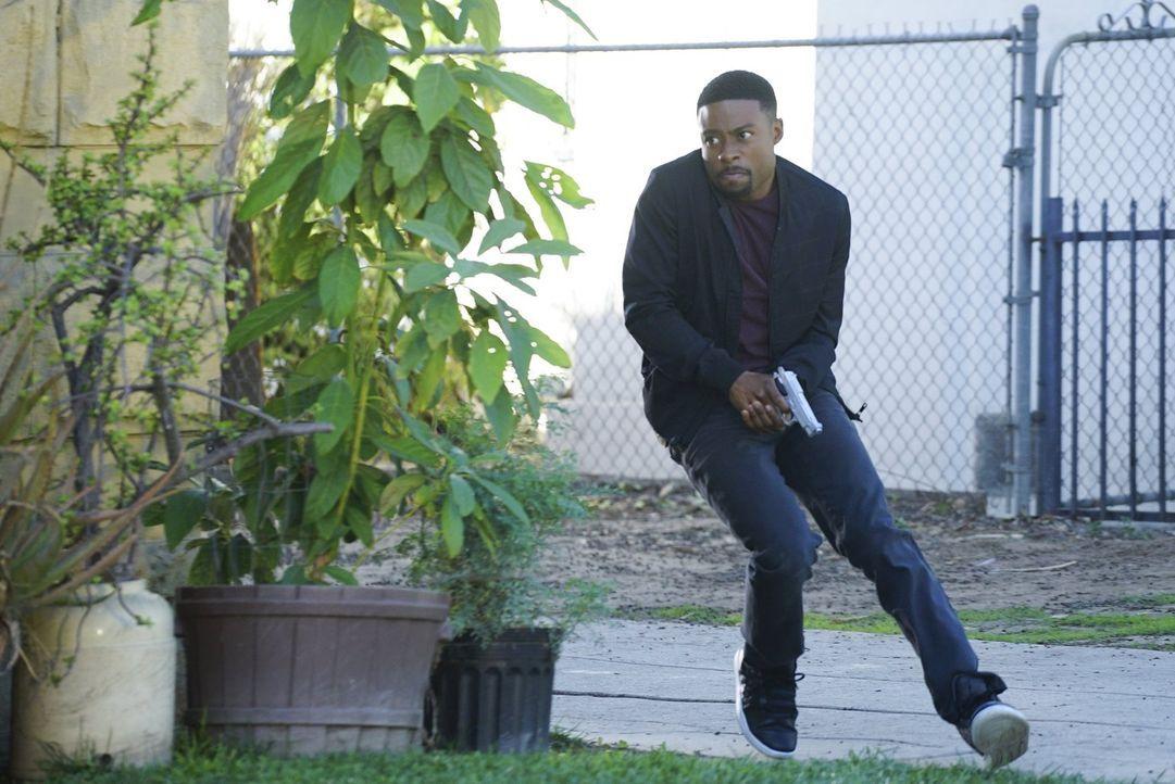 Versucht, eine Bande Krimineller zu fassen: Carter (Justin Hires) ... - Bildquelle: Warner Brothers
