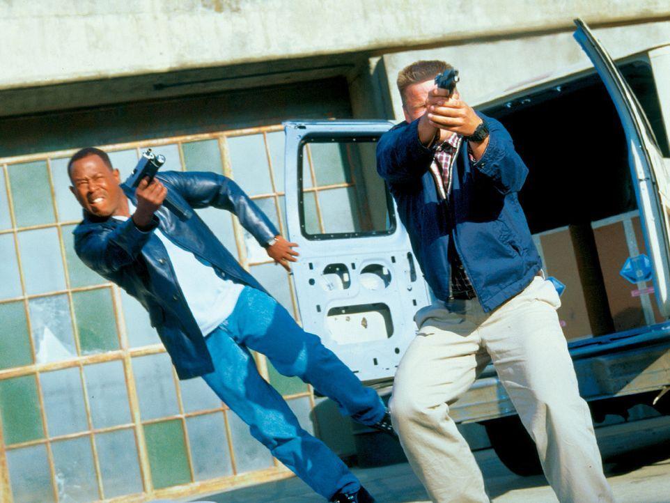 Auf der Jagd nach dem mörderischen Schmugglerring, in dem sich etliche korrupte Cops tummeln, müssen sich Earl (Martin Lawrence, l.) und Hank (Steve... - Bildquelle: CPT Holdings, Inc.  All Rights Reserved.
