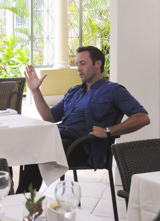 Lässt sich auf ein Katz-und-Maus-Spiel mit einer verführerischen Therapeuten ein: Steve (Alex O'Loughlin) ... - Bildquelle: 2012 CBS Broadcasting, Inc. All Rights Reserved.