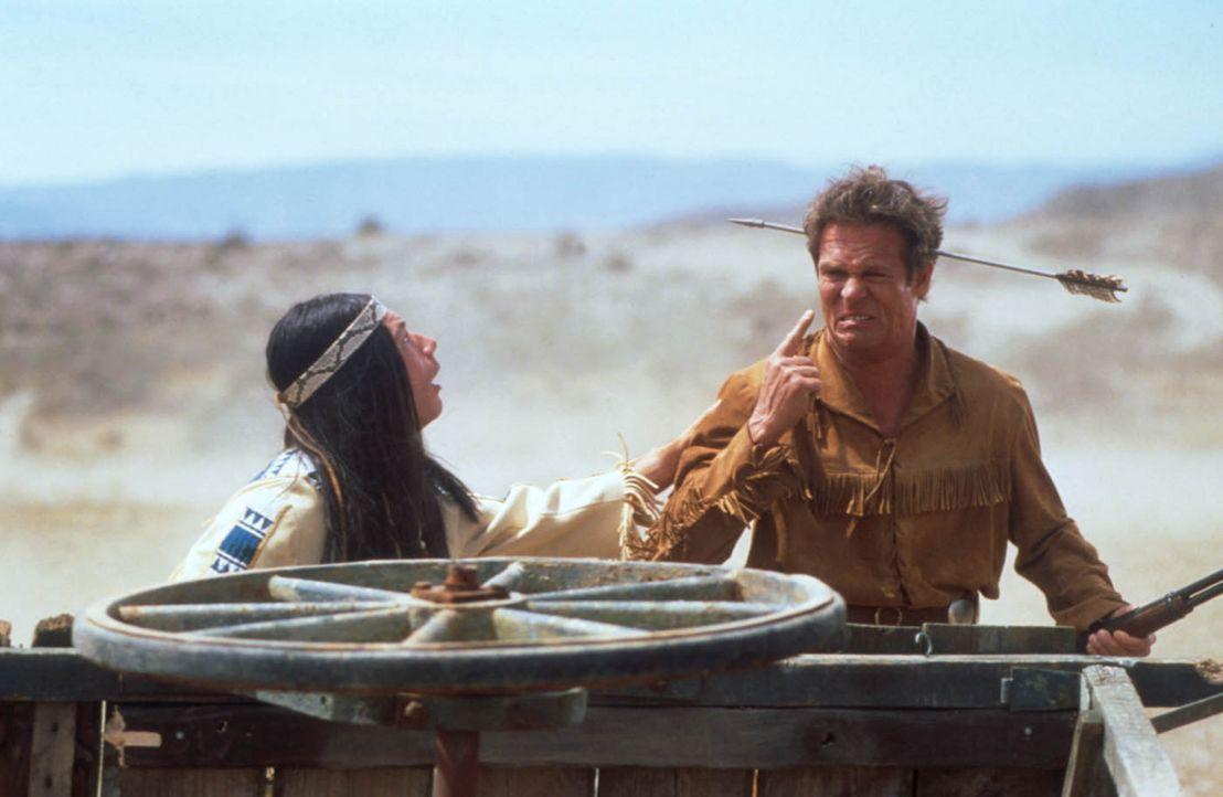 """""""Ich bin mit der Gesamtsituation unzufrieden!"""" Abahachi (Michael """"Bully"""" Herbig, l.) und Ranger (Christian Tramitz, r.) ... - Bildquelle: herbX film gmbh"""