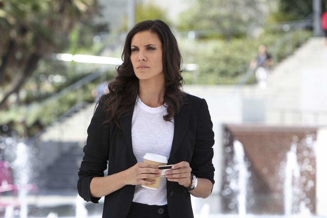 Bei den Ermittlungen in einem neuen Fall, entdecken Kensi (Daniela Ruah) und das restliche Team eine Verbindung des Toten zum mexikanischen Kartell... - Bildquelle: CBS Studios Inc. All Rights Reserved.