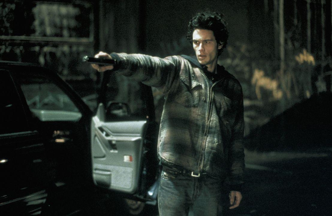Hat Joey (James Franco) zwei Menschenleben auf dem Gewissen? - Bildquelle: Warner Bros.