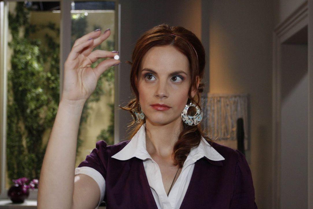 Manu (Marie Zielcke) gelingt es leider nicht, Julius vor Philips Machenschaften zu warnen ... - Bildquelle: SAT.1