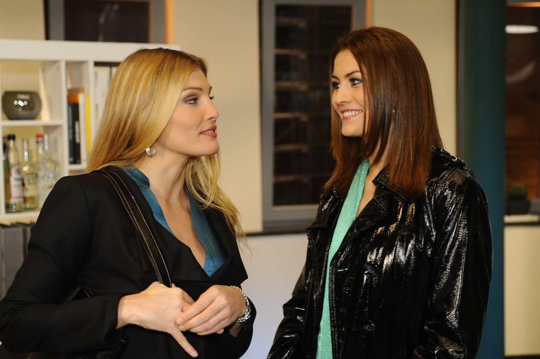 Annett (Tanja Wenzel, l.) will Jessica (Fiona Erdmann, r.) für ihre Zwecke benutzen. Wird ihr dies gelingen? - Bildquelle: SAT.1