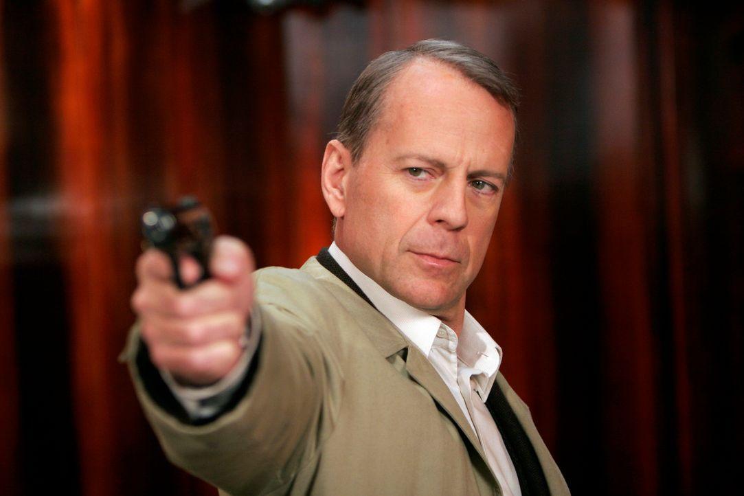 """Gangsterchef """"Der Boss"""" will sich für den Tod an seinem Sohn rächen. Deshalb engagiert er den Killer Mr. Goodcat (Bruce Willis), der den Sohn von be... - Bildquelle: Metro-Goldwyn-Mayer (MGM)"""