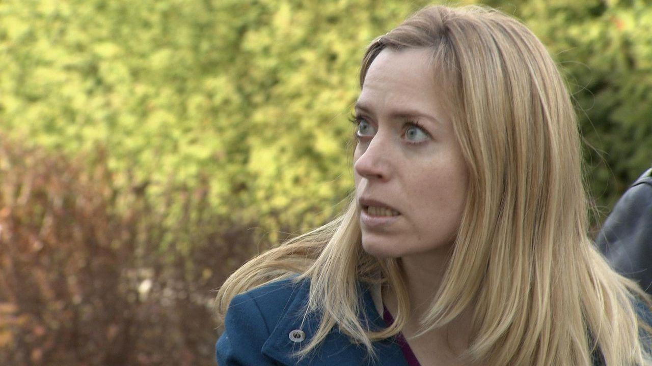 In ihrem Heimatdorf ist die alleinerziehende Andrea Huber das Gesprächsthema Nummer eins ... - Bildquelle: SAT.1