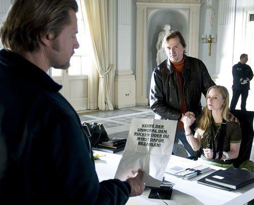 Bei den Ermittlungen stößt Mick (Henning Baum) auf Christine (Susanne Lüning) und Roman Kemp (Patrick von Blume). Doch haben sie etwas damit zu t... - Bildquelle: Martin Rottenkolber - Sat1