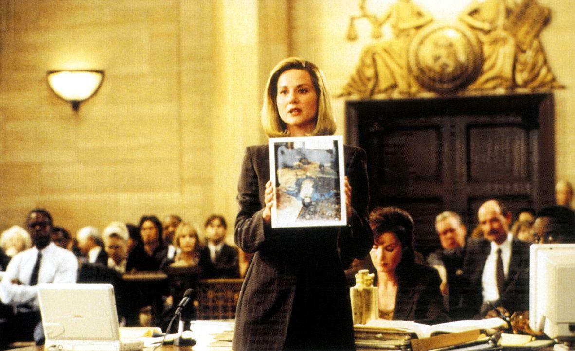 Staatsanwältin Janet Venable (Laura Linney) weiß, dass alle Beweise gegen den Angeklagten sprechen ... - Bildquelle: PARAMOUNT PICTURES CORPORATION