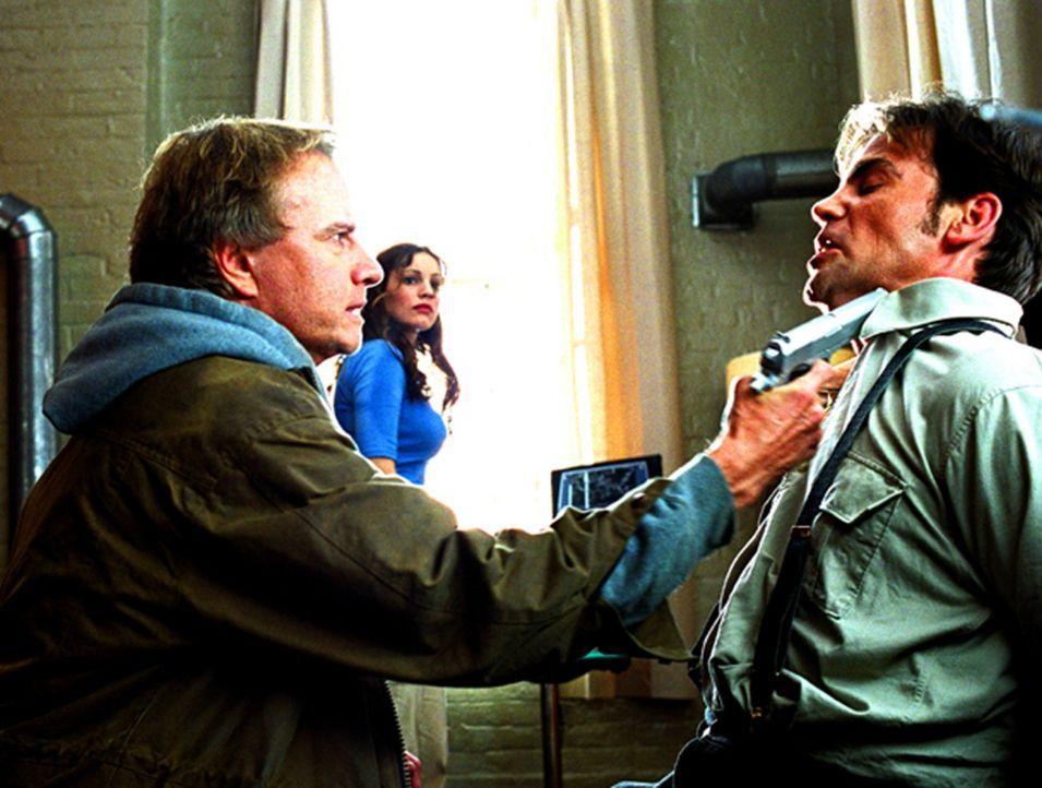 """2007: Ein Virus hat die Hälfte der Menschheit vernichtet, der Rest überlebt nur durch das sündhaft teure Medikament """"Absolon"""". Da entdeckt ein Wi... - Bildquelle: Hannibal Pictures"""