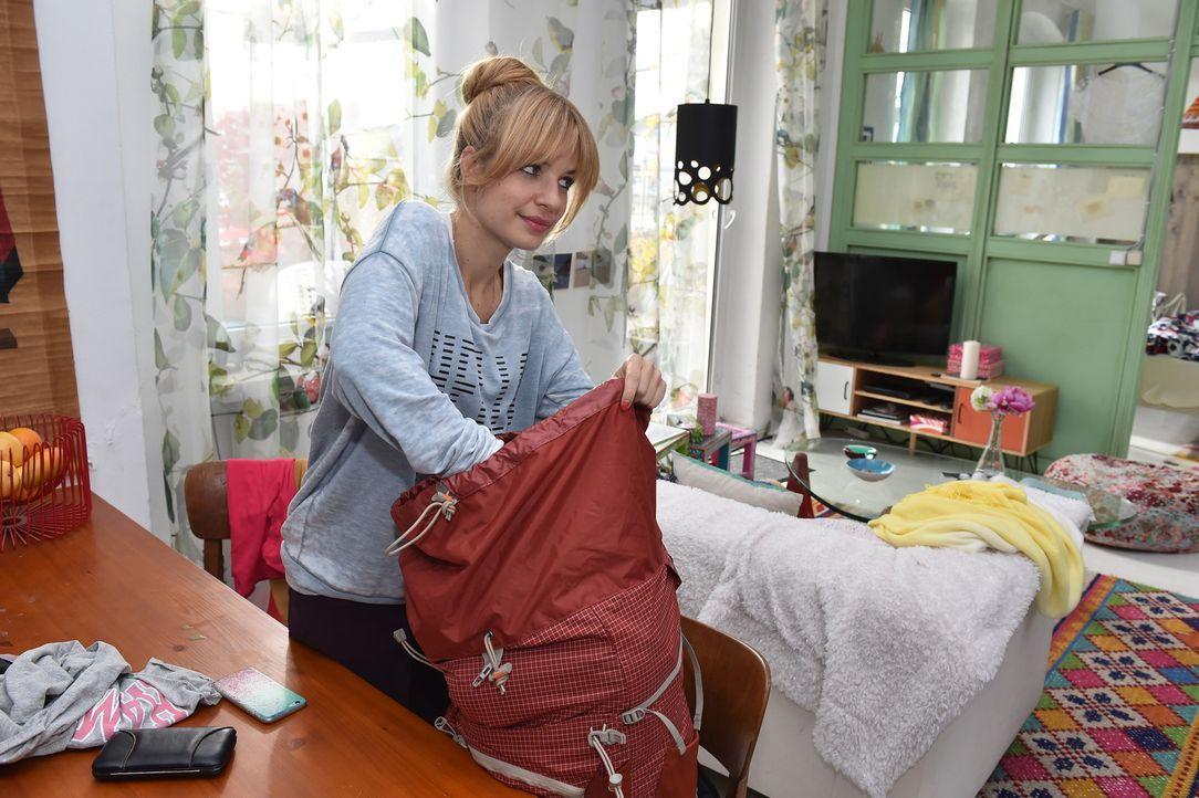 Mila (Susan Sideropoulos) steht ein bedeutender Schritt in ein neues Leben bevor ... - Bildquelle: Andre Kowalski sixx