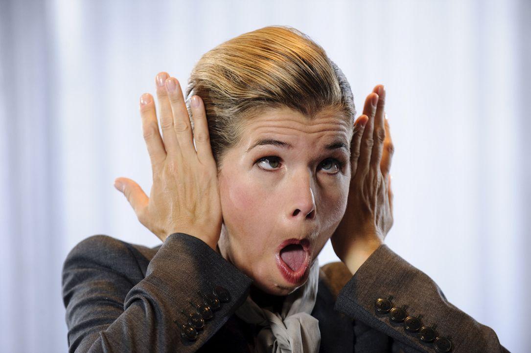 """Die witzigste Frau Deutschlands ist wieder da! Anke Engelke setzt mit einer neuen Staffel der preisgekrönten Sketch-Comedy """"Ladykracher"""" weiter Maßs... - Bildquelle: Willi Weber SAT.1"""