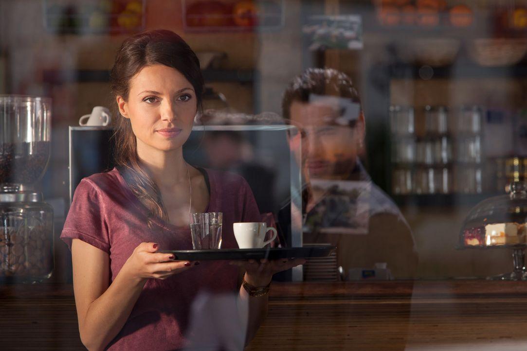 Noch ahnt Frieda (Julia Hartmann) nicht, dass sich Mark mit seiner Frau wieder versöhnt hat ... - Bildquelle: Conny Klein SAT.1