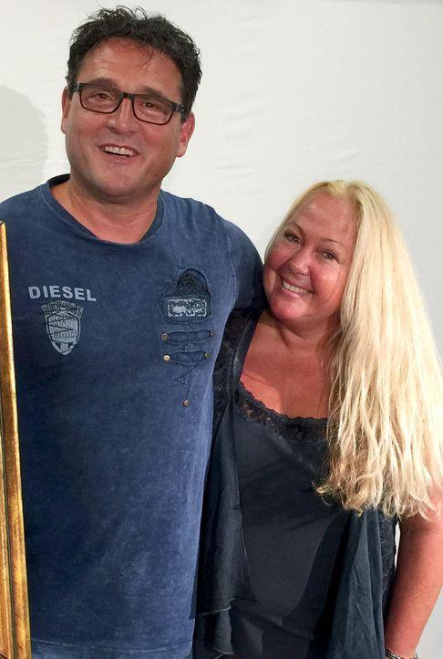 Auch nach vielen Ehejahren sind Frank (l.) und Tanja (r.) Kröger immer noch glücklich und wollen ihr Ja-Wort noch einmal erneuern - und alles soll g... - Bildquelle: privat