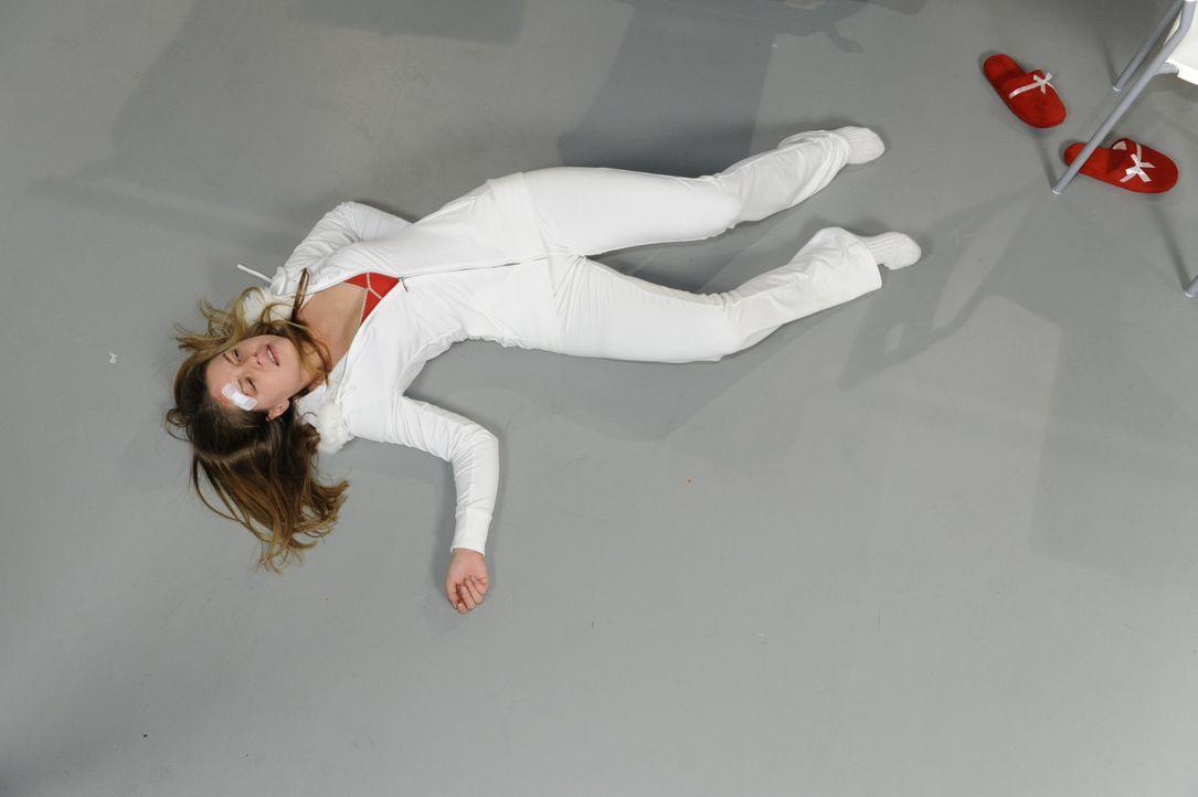 Katjas (Karolina Lodyga) Unvernunft wird bestraft ... - Bildquelle: SAT.1