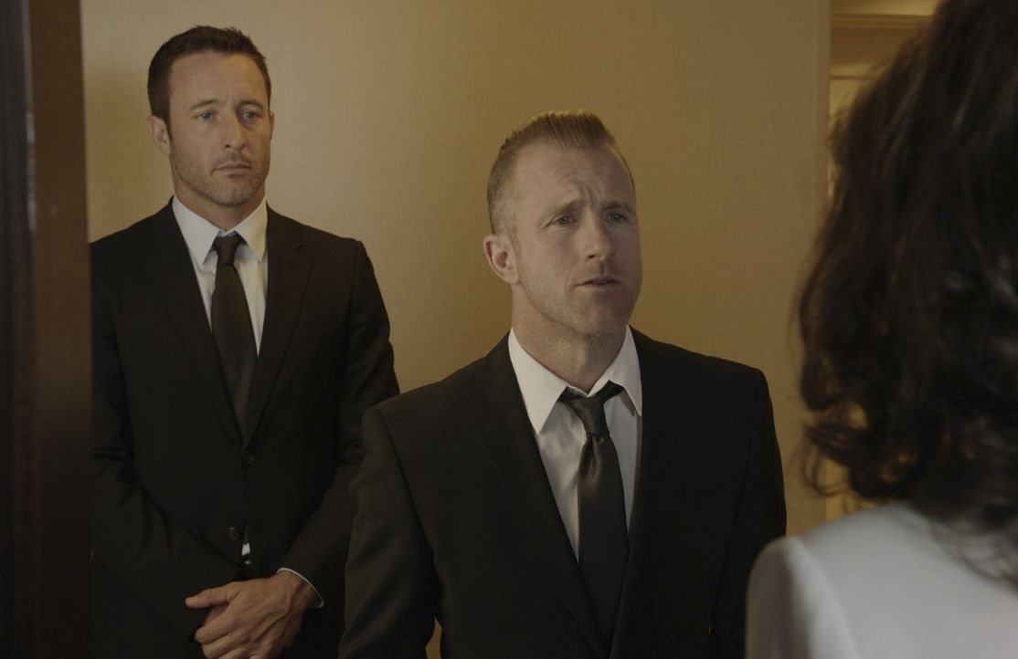 Steve McGarrett (Alex O'Loughlin, l.) Danny Williams (Scott Caan, r.) - Bildquelle: 2019 CBS Broadcasting, Inc. All Rights Reserved