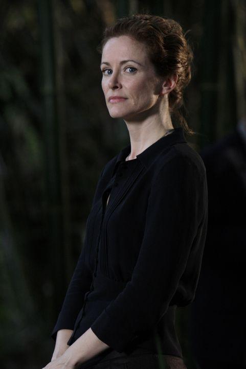 Schuldig? Wahrsagerin Kristina (Leslie Hope) ... - Bildquelle: Warner Bros. Television