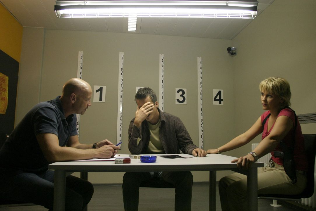 k-11-kommissare-im-einsatz-team-111228-008 - Bildquelle: SAT.1/David Klammer