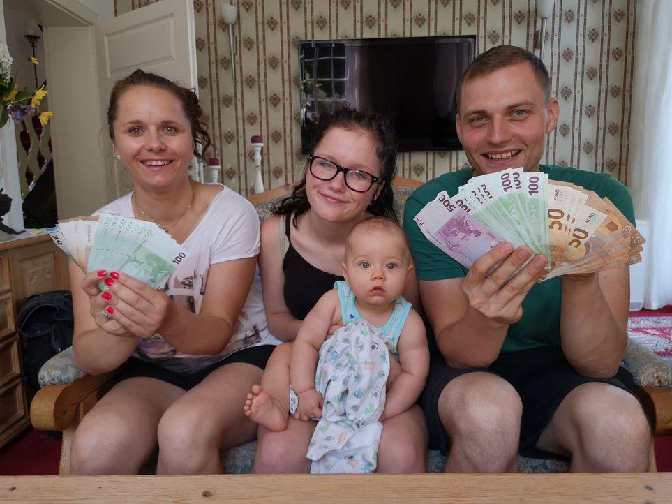 (v.l.n.r.) Magdalena; Victoria; Daniel; Simon - Bildquelle: SAT.1