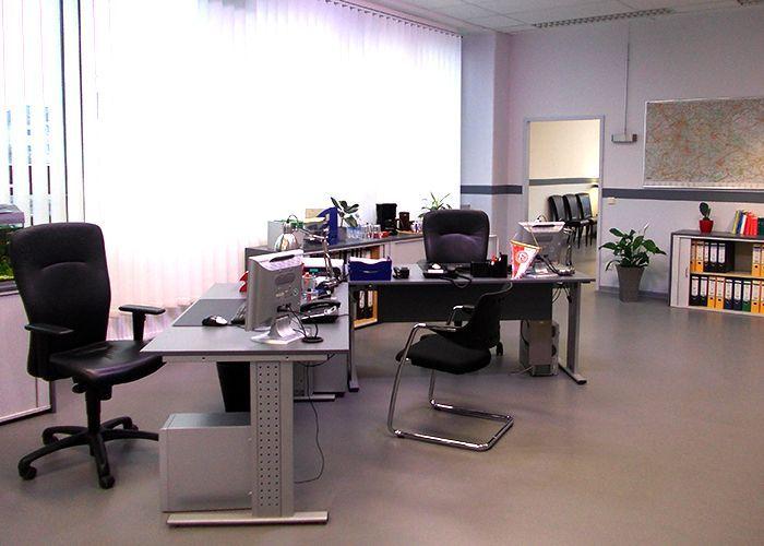 k11-130108-alexs-und-michaels-arbeitsplatz-02_SAT - Bildquelle: Constantin Entertainment GmbH/SAT.1