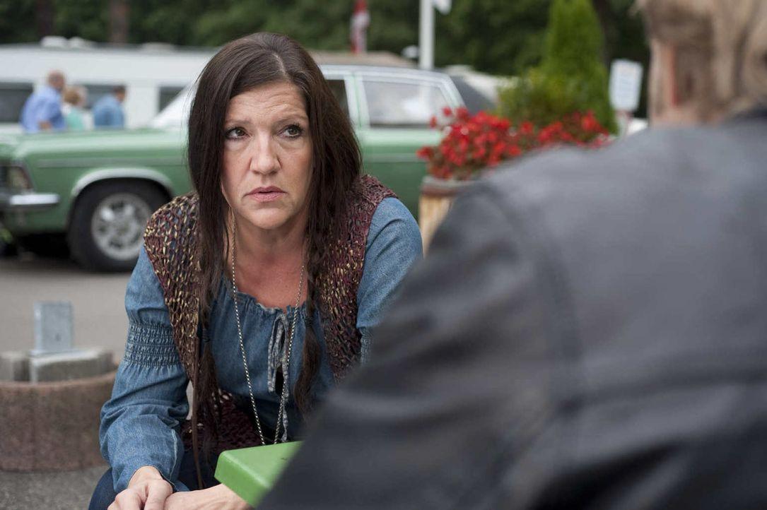 Harrys trauernde Witwe Rita (Katy Karrenbauer) hat seit geraumer Zeit einen Liebhaber. Aber ist sie deshalb eine Mörderin? - Bildquelle: Martin Rottenkolber SAT.1