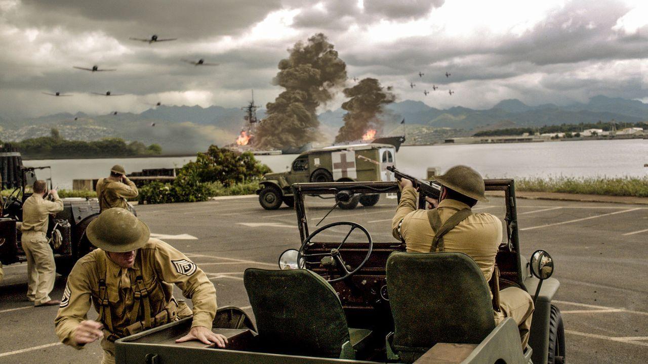Die Wunden des Pearl Harbor Angriffs im Jahr 1941 sitzen nach wie vor tief. Die Ermittlungen des Teams scheinen kein Ende zu nehmen ... - Bildquelle: 2013 CBS BROADCASTING INC. All Rights Reserved.