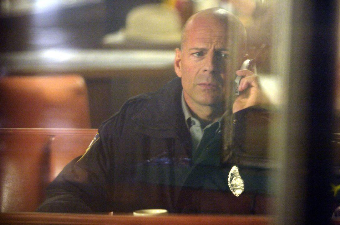 Nach einem fatalen Fehler lässt sich Talley (Bruce Willis) in eine Kleinstadt versetzen, wo er nun als Sheriff von Ventura County arbeitet. Eines Ta... - Bildquelle: 2004 Hostage, LLC. All Rights Reserved