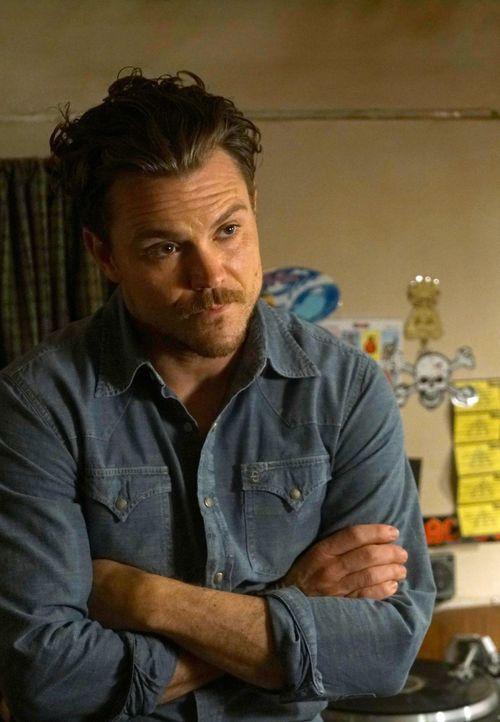 Geht gemeinsam mit seinem neuen Partner auf Verbrecherjagd: Martin Riggs (Clayne Crawford) ... - Bildquelle: 2016 Warner Brothers