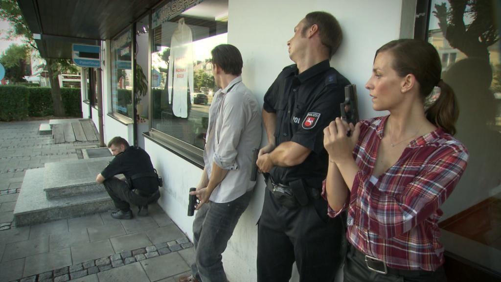 Ausnahmezustand-Ein-Polizist-sieht-rot__Bild40 - Bildquelle: SAT.1