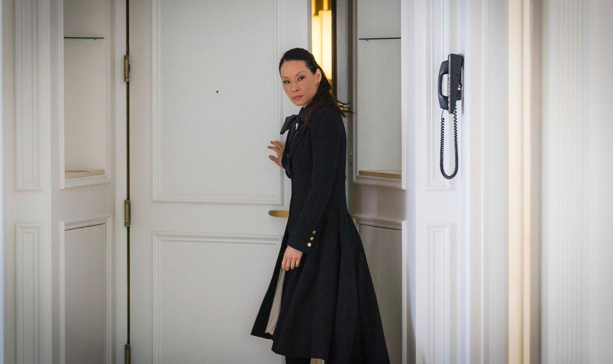 Während Watson (Lucy Liu) mit Holmes den Mord an einer vermögenden Dame aufklären will, die ihr Anwesen ihrem Hund vererbt hat, bemüht sich Watson n... - Bildquelle: Michael Parmelee 2016 CBS Broadcasting Inc. All Rights Reserved.