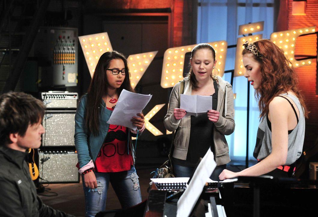 The-Voice-Kids-Stf02-Epi06-Lara-Lene-51-SAT1-Andre-Kowalski - Bildquelle: SAT.1/Andre Kowalski