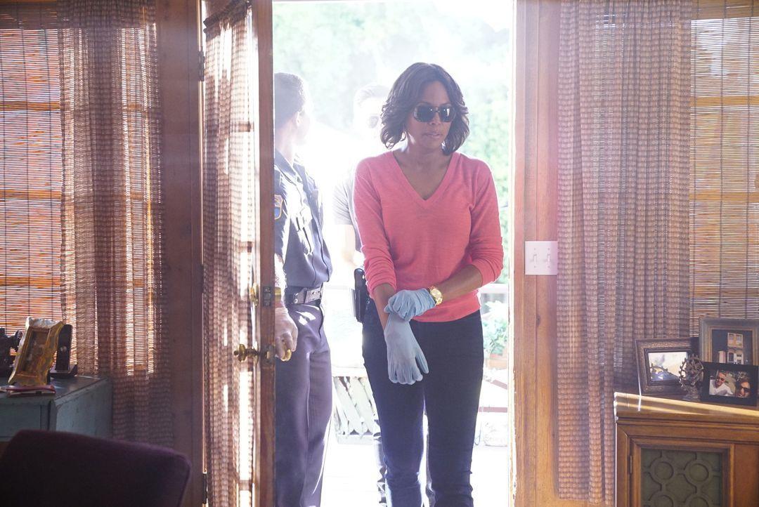 Das Team um Tara (Aisha Tyler) ermittelt nun in drei verschiedenen Kriminalfällen, die verdächtig identisch sind. Denn jedes Mal wurde das Opfer, na... - Bildquelle: Disney Media Distribution