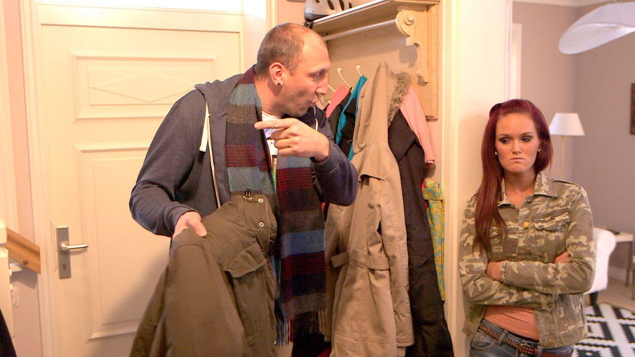 Michelles (r.) Intrigen stören den Hausfrieden. Greift Michael (l.) bei seiner Tochter durch - und kann er die Krise mit Christina beenden? - Bildquelle: SAT.1