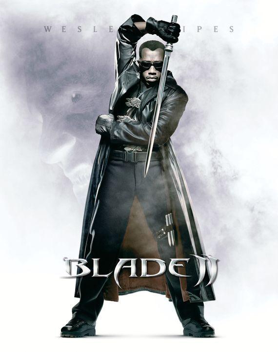 Blade (Wesley Snipes), halb Mensch und halb Vampir, der sich die Vernichtung aller Dracula-Nachfahren vorgenommen hat, muss sich zähneknirschend mit... - Bildquelle: New Line Cinema