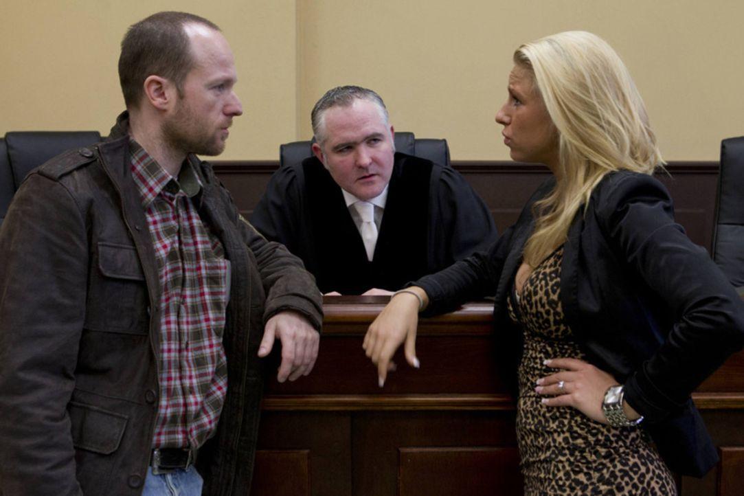 """Wenn Menschen plötzlich vor Gericht stehen, ist nichts mehr so wie vorher! """"Familien-Fälle"""" zeigt, wie sich das Leben und der Alltag von Menschen... - Bildquelle: Richard Hübner SAT.1"""