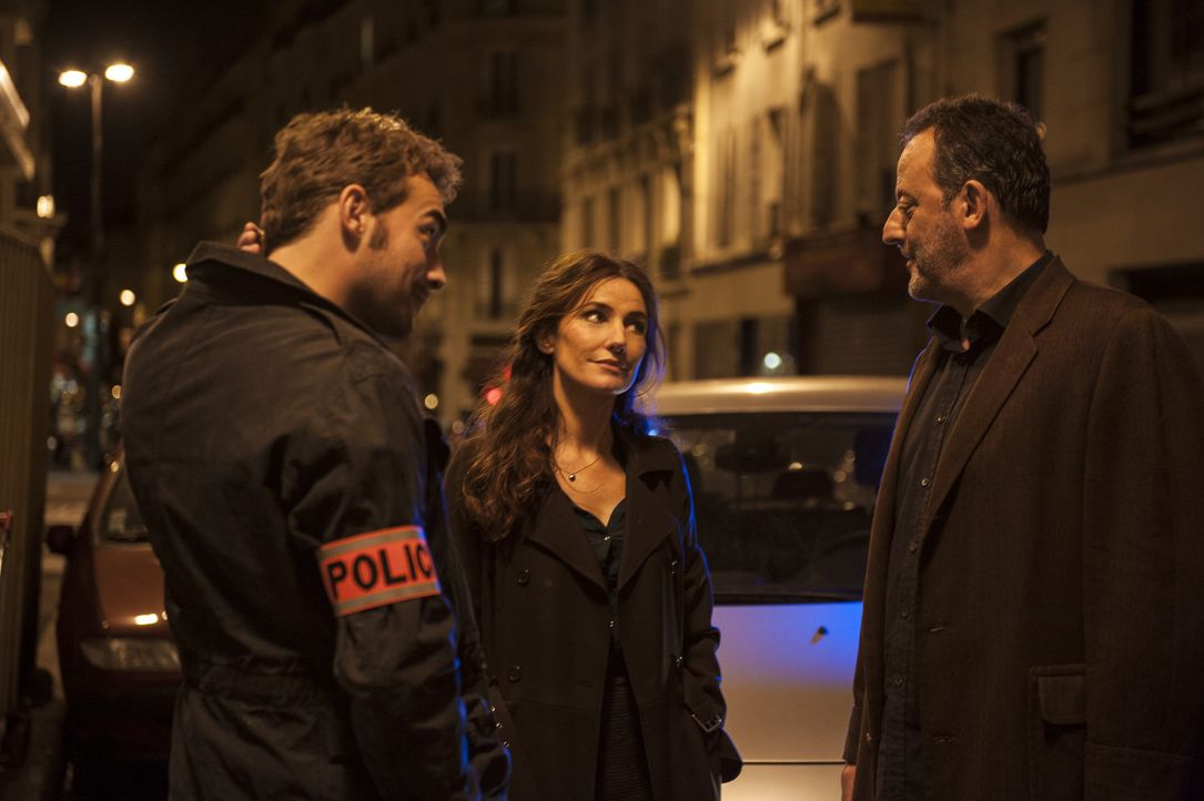 Ein neuer Mordfall beschäftigt das Team: Jo (Jean Reno, r.), Marc (Tom Austen, l.), Beatrice (Olra Brady, M.) ... - Bildquelle: Stéphanie Dupont Atlantique Productions