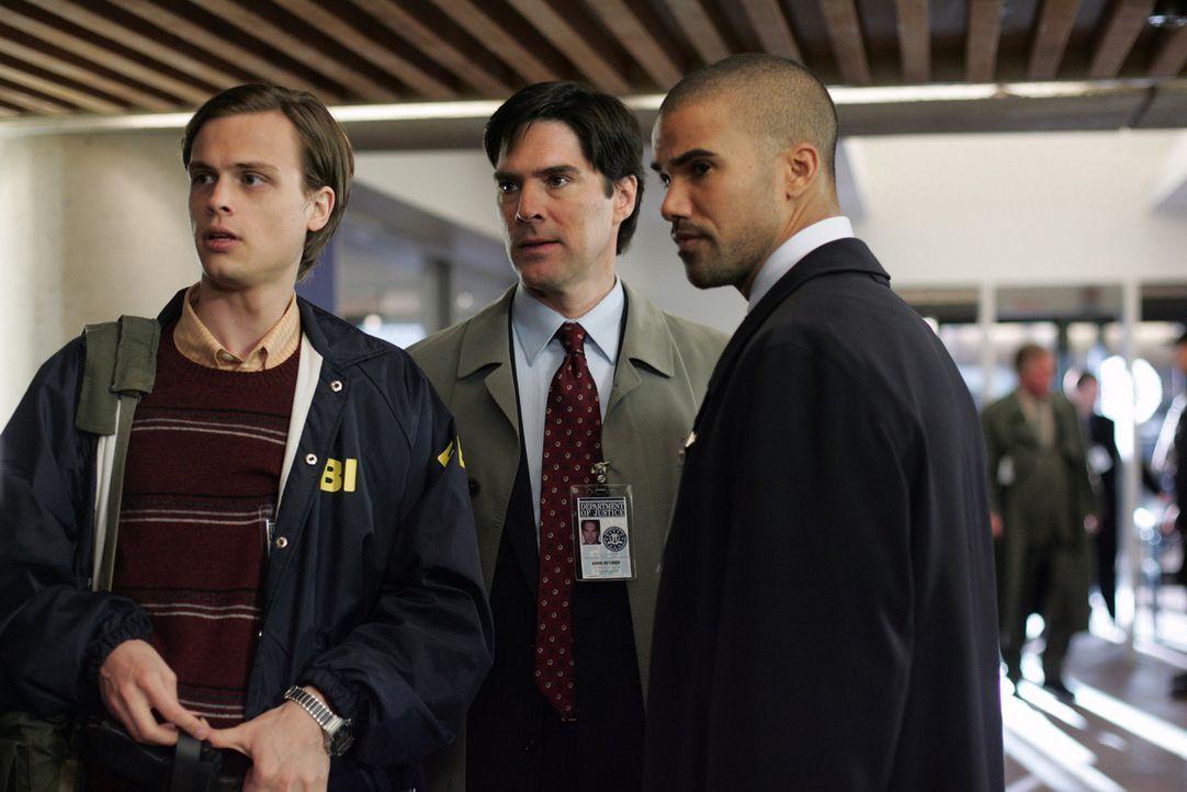 Um eine junge Frau aus den Händen eines Psychopaten zu retten, beginnt für Dr. Spencer Reid (Matthew Gray Gubler, l.), Special Agent Derek Morgan... - Bildquelle: Touchstone Television