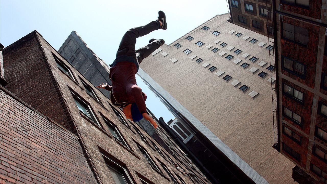 Riskiert alles: Freerunner Decks (John Bernecker) ... - Bildquelle: TIBERIUS FILM