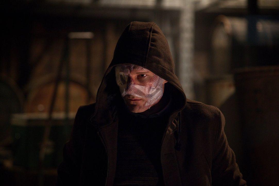 Auf der Suche nach perfektem Aussehen: Eric Lathem (Michael Eklund) ... - Bildquelle: Warner Bros. Television