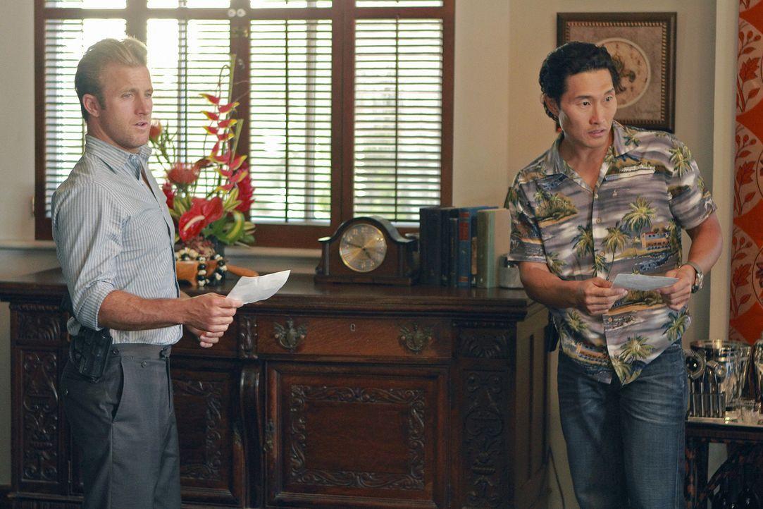 Versuchen alles, um Steves Unschuld zu beweisen: Danny (Scott Caan, l.) und Chin (Daniel Dae Kim, r.) ... - Bildquelle: TM &   CBS Studios Inc. All Rights Reserved.