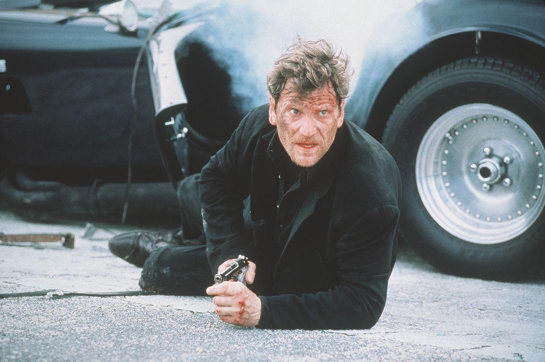 Für den Drogenboss Fouchet (Tchéky Karyo) geht es um alles oder nichts ... - Bildquelle: 1995 Columbia Pictures Industries, Inc. All Rights Reserved.