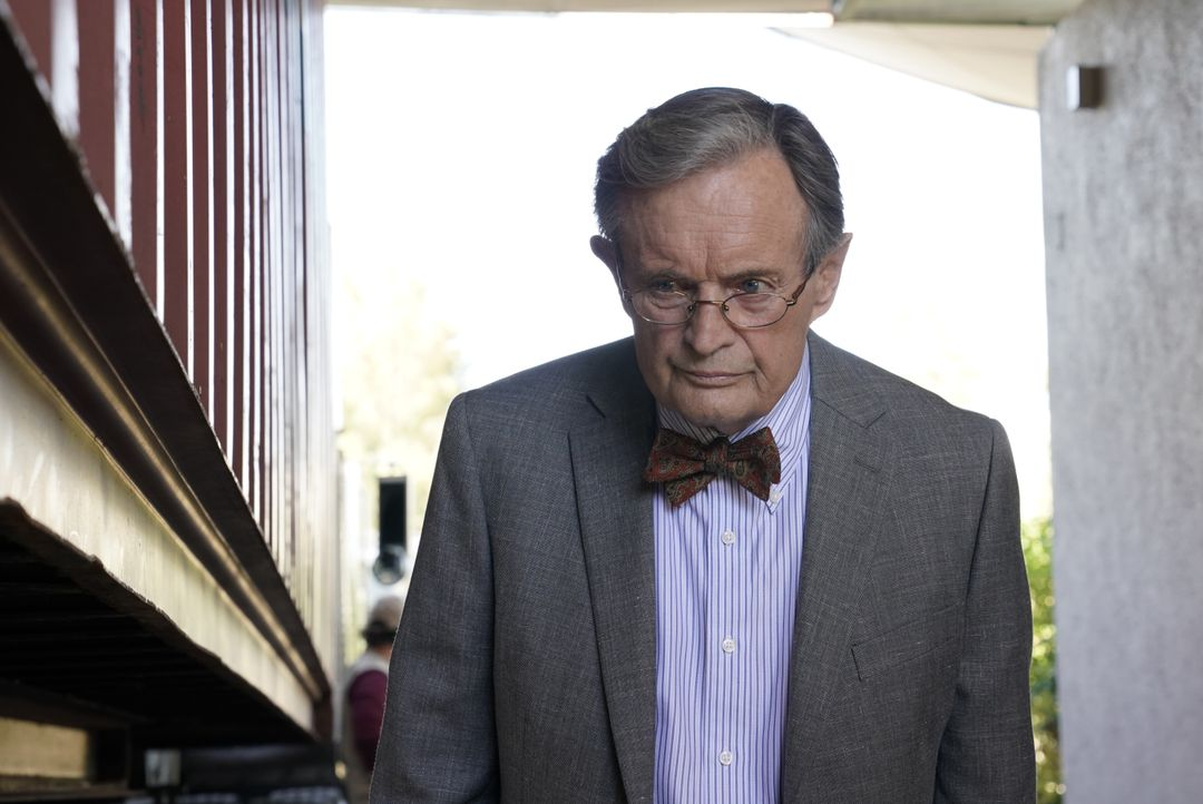 Donald Mallard (David McCallum) - Bildquelle: Cliff Lipson 2019 CBS Broadcasting, Inc. All Rights Reserved. / Cliff Lipson