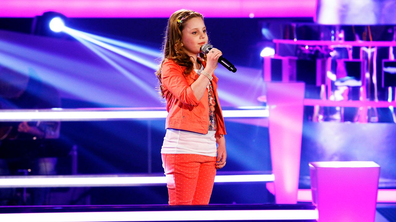 The-Voice-Kids-epi05-Aulona-SAT1-Richard-Huebner - Bildquelle: SAT.1/Richard Hübner