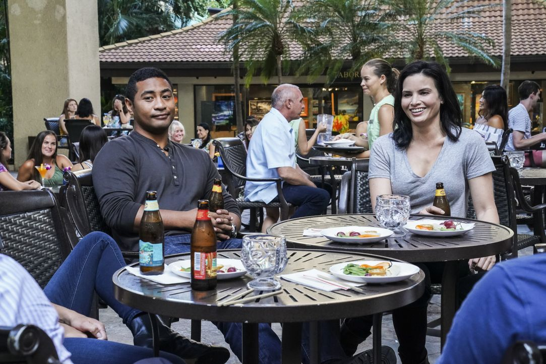 Junior Reigns (Beulah Koale, l.); Quinn Liu (Katrina Law, r.) - Bildquelle: Karen Neal 2019 CBS Broadcasting, Inc. All Rights Reserved. / Karen Neal