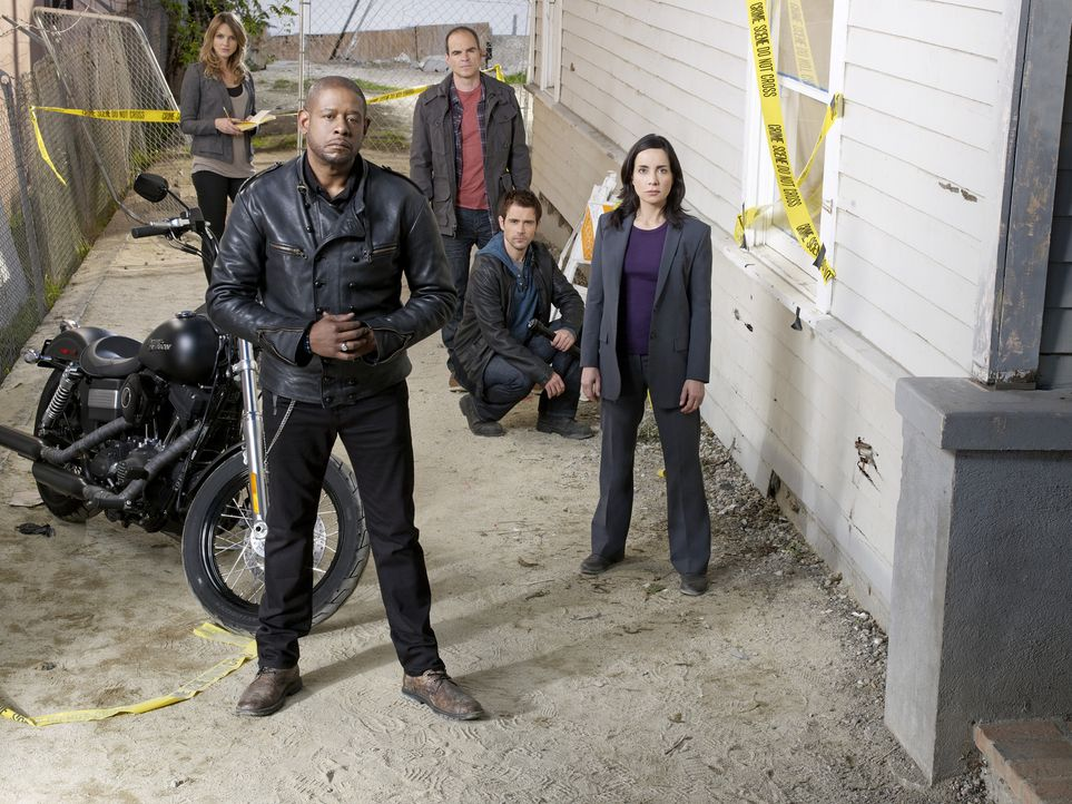 (1. Staffel) - Ein starkes Team, das jeden Täter zur Strecke bringt: John (Michael Kelly, M.), Beth (Janeane Garofalo, r.), Sam (Forest Whitaker, 2.... - Bildquelle: ABC Studios