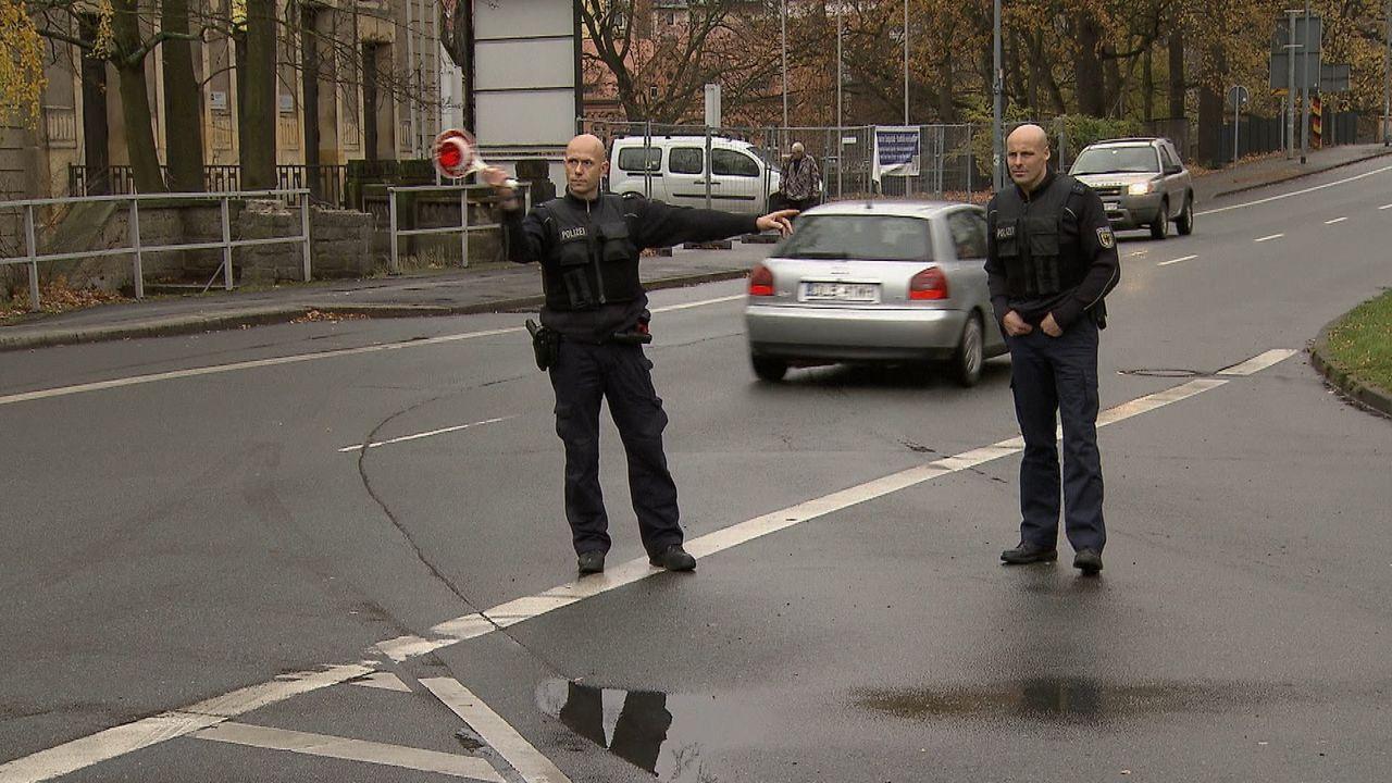 Dauereinsatz an der Grenze - Unterwegs mit der Bundespolizei. Die SAT.1 Reportage begleitet zwei Streifenteams in ihrem Arbeitsalltag. - Bildquelle: SAT.1