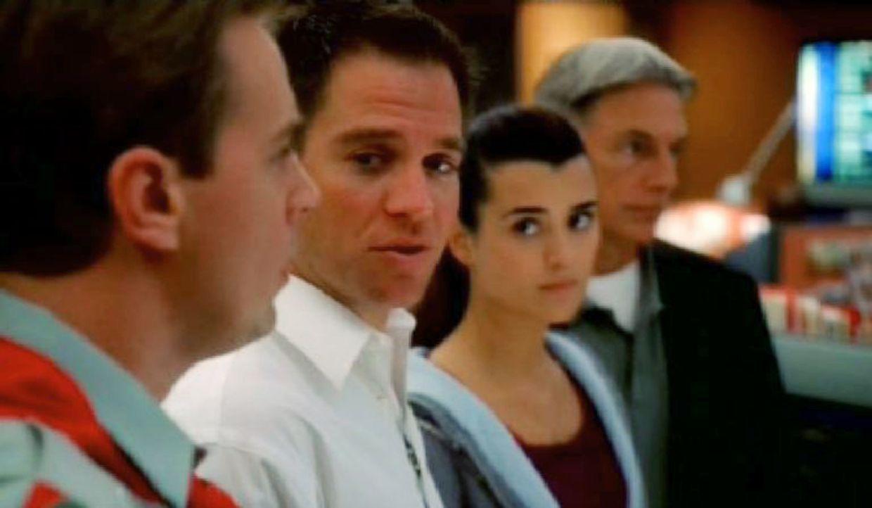 Das Navy CIS-Team ermittelt (v.l.n.r.): Timothy McGee (Sean Murray), Anthony DiNozzo (Michael Weatherly), Ziva David (Cote de Pablo) und Leroy Jethr... - Bildquelle: CBS Television