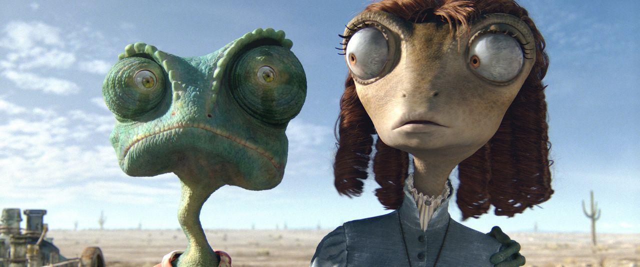 In letzter Minute trifft Rango (l.) auf die hübsche Wüstenleguan-Dame Bohne (r.) und lernt ihre sonderbare Art schnell zu schätzen ... - Bildquelle: Paramount Pictures. All rights reserved.
