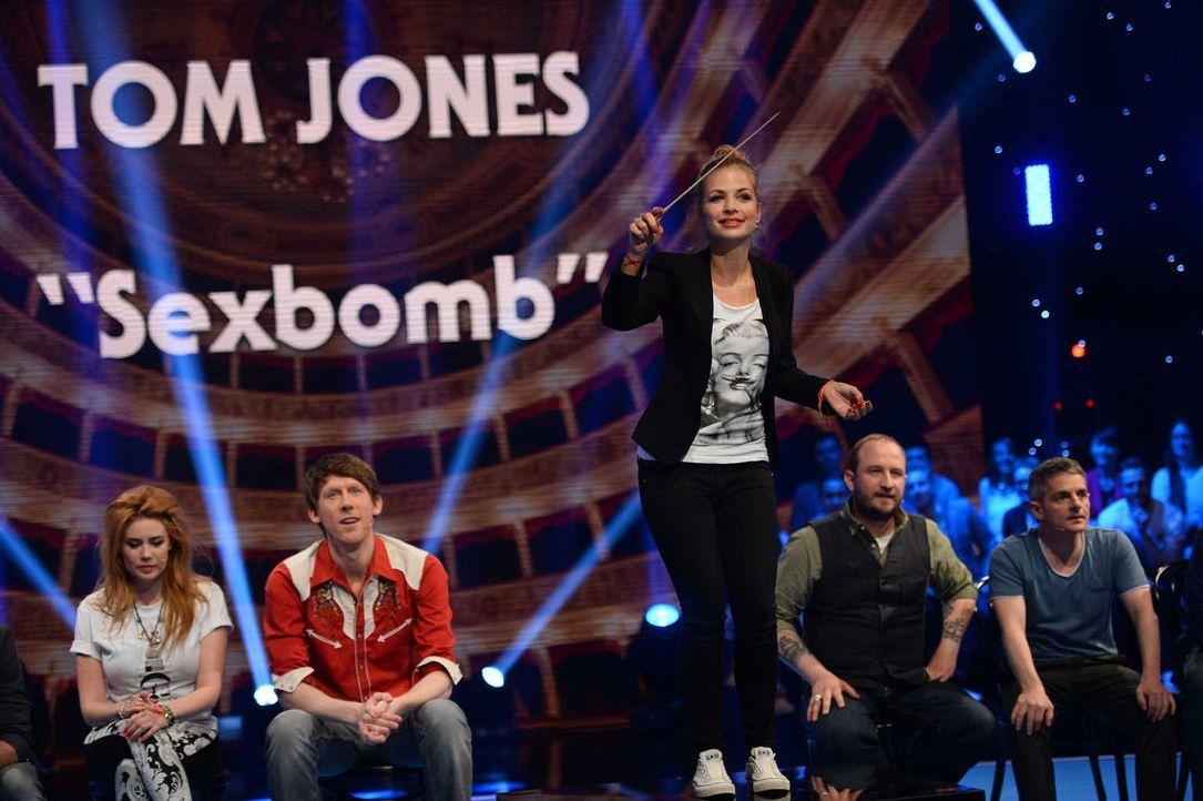 """Wird es Susan Sideropoulos (M.) gelingen, das Publikum zum """"Sexbomb""""-Singen zu animieren? - Bildquelle: Willi Weber SAT.1/Willi Weber"""