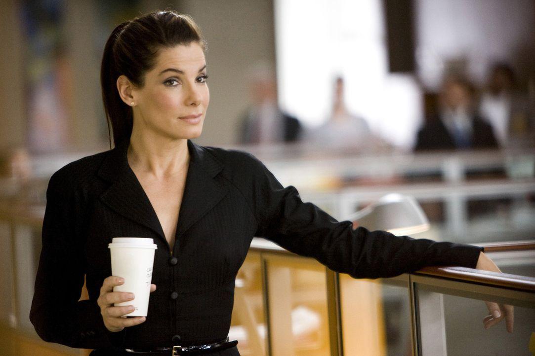 Um ihre Ausweisung aus dem Land zu verhindern, muss Margaret Tate (Sandra Bullock) so schnell wie möglich einen amerikanischen Ehemann präsentiere... - Bildquelle: Kerry Hayes Touchstone Pictures.  All Rights Reserved